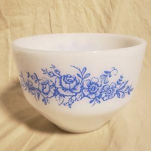 Vintage Federal Blue Rose Milk Glass 1 1/2 Qt Bowl